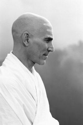 16.Swamiji.jpg